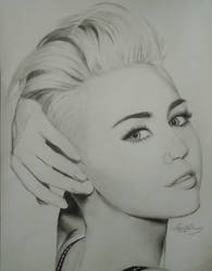 Drawing of Miley Cyrus by cdudley25