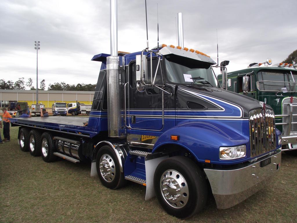 Modern Kenworth Tilt Tray truck by RedtailFox on DeviantArt