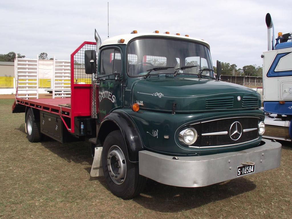 Mercedes 1418 beavertail truck by redtailfox on deviantart for Mercedes benz truck for sale