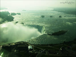 Niagara Falls by Ivienn