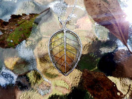 Leaf necklace by jessy25522