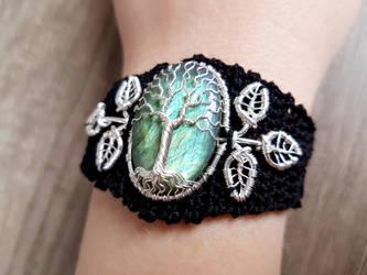 Crochet bracelet by jessy25522