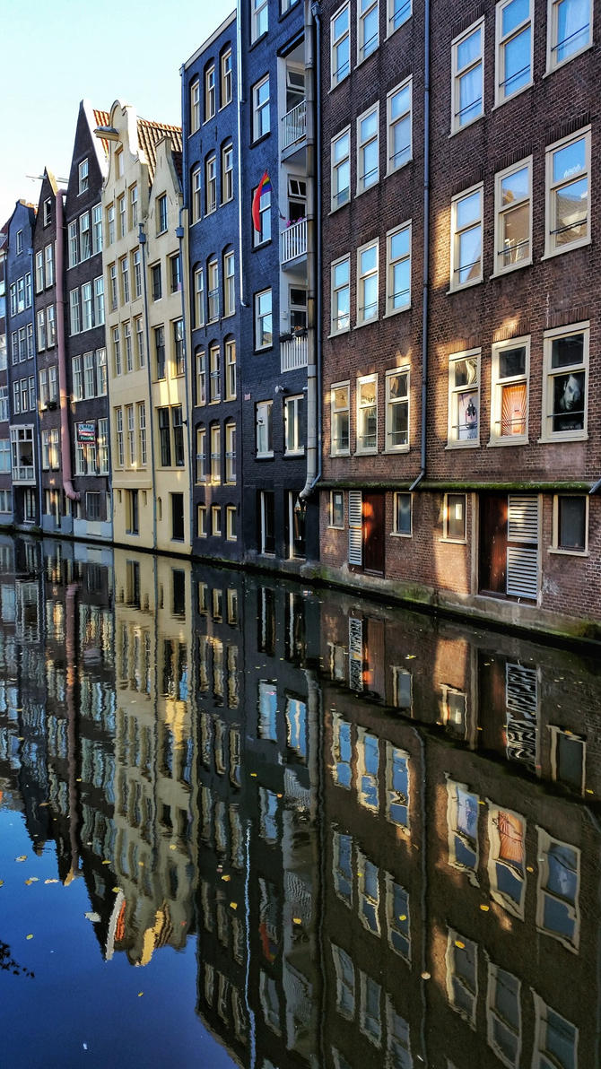 Reflection of Amsterdam by whiskyboy