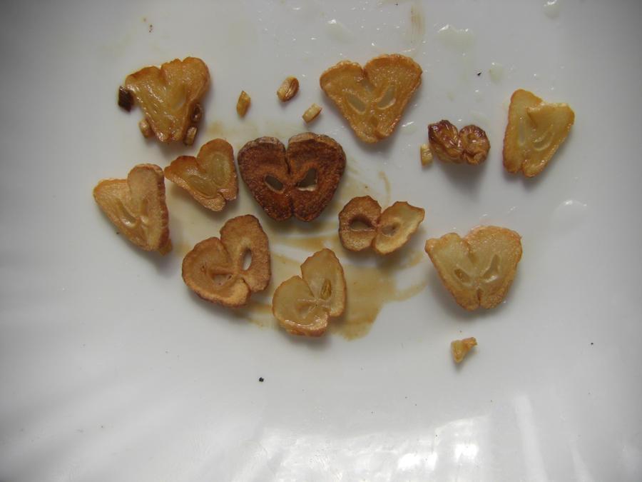 Evil garlics by Trablete