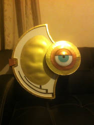 Tsubaki Yayoi's shield, looking to the right by ScannerJOE