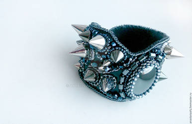 Bracelet with spikes