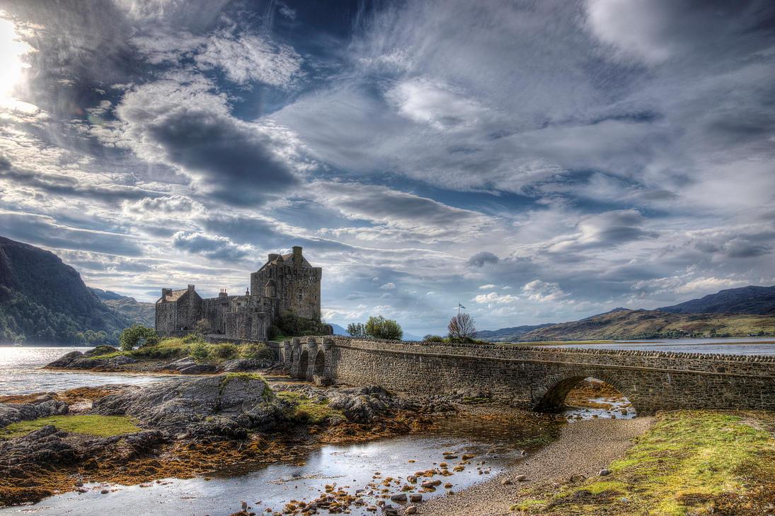 Eilean Donan by Spyder-art