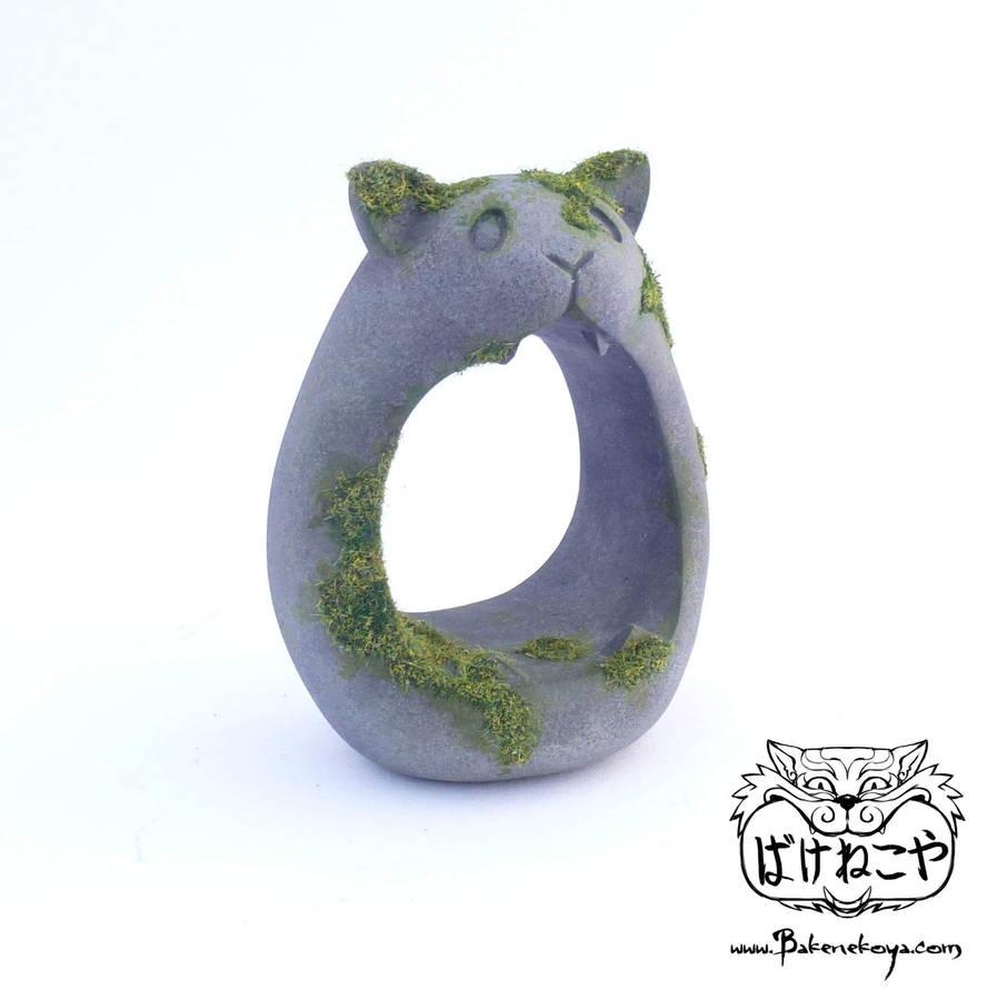 Cat totems by Bakenekoya