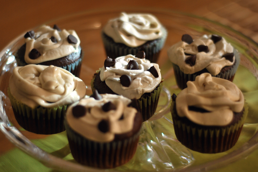 Chocolate Guinness Cupcakes by ordinaryriches on DeviantArt