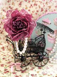 Lovely Rose Brooch