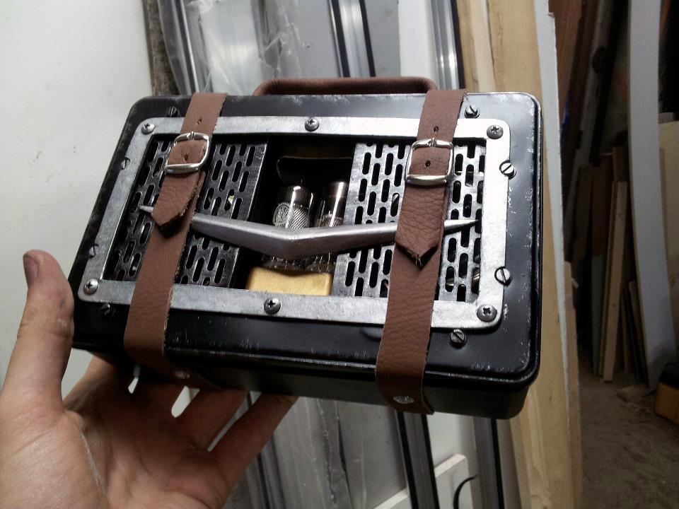 Dieselpunk radio by kaaskop