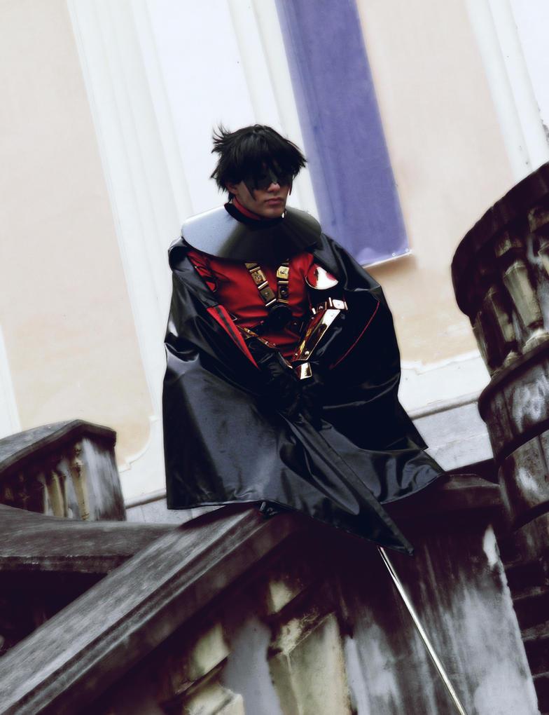 Red Robin  - watching over the city by Kura-Kitsune