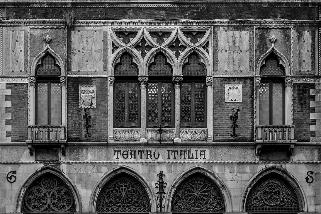 Teatro Italia by stefangrosjean