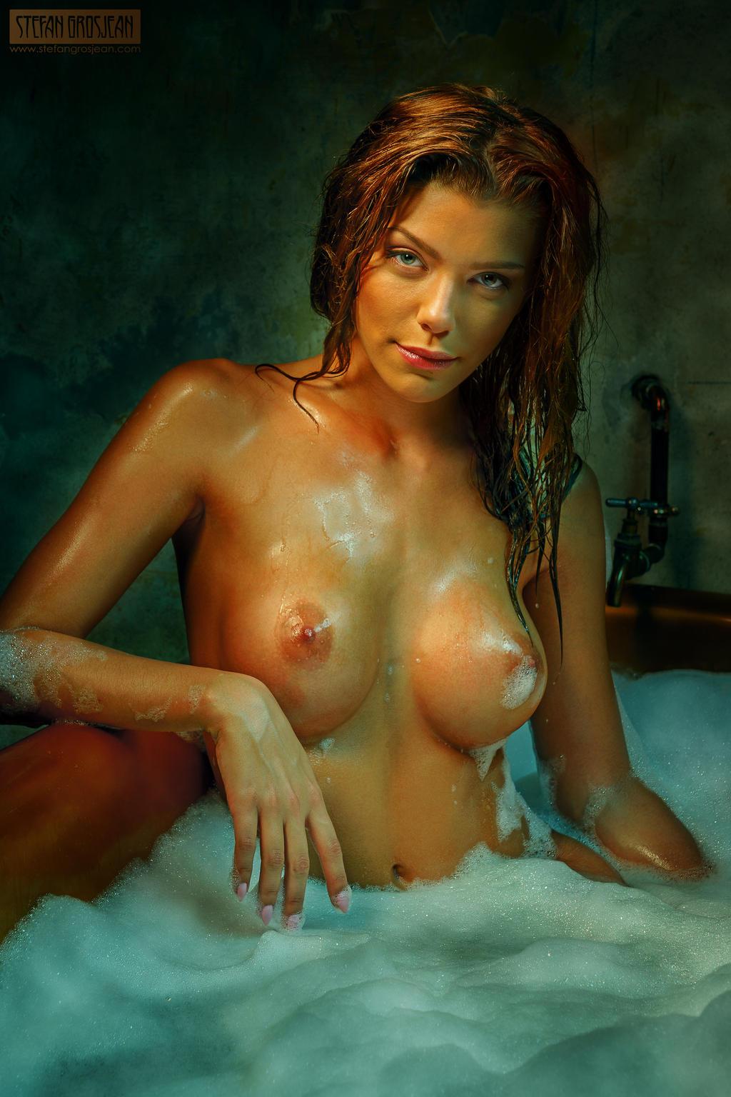 Glamour Nude Art 111