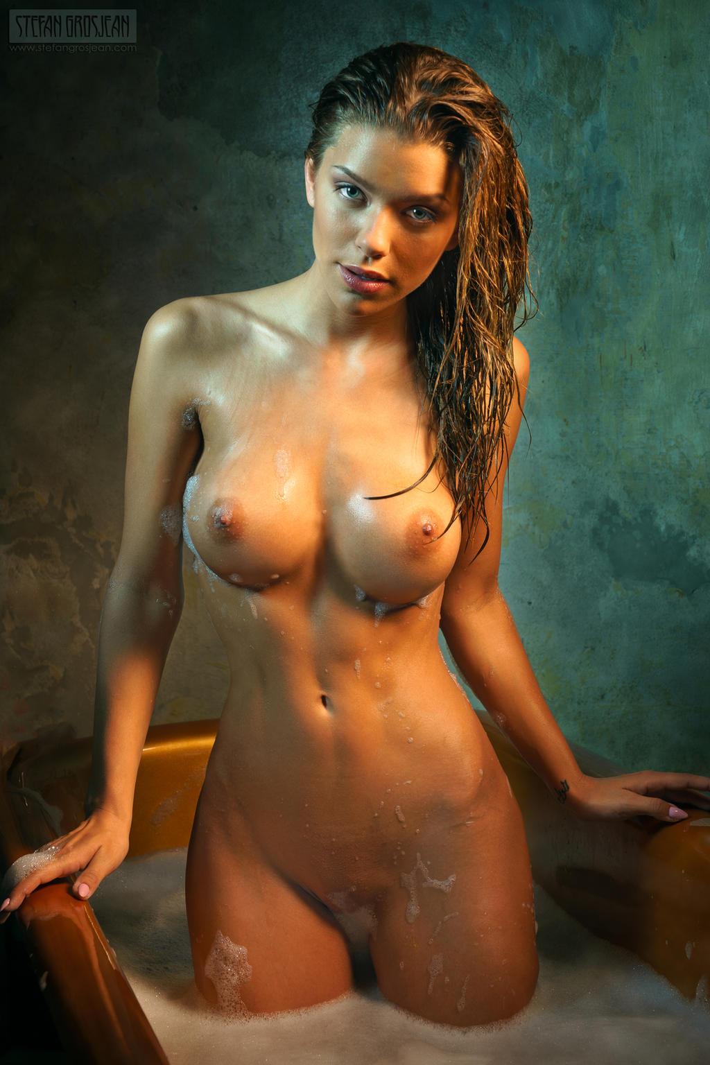 Nude hot women fucks images