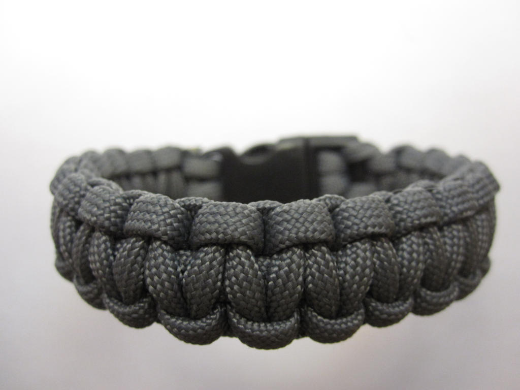 Solomon bar paracord bracelet with clip by demuredemeanor for Paracord wallpaper
