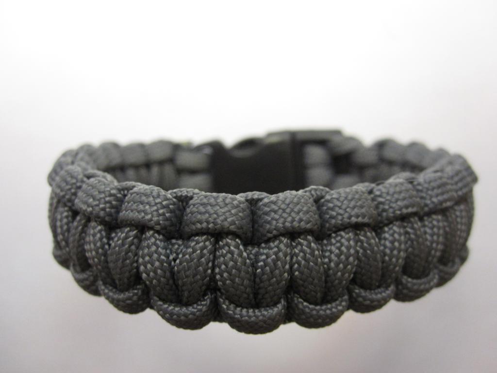 Solomon Bar Paracord Bracelet with Clip by demuredemeanor