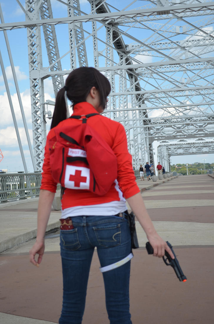 Zoey from Left 4 Dead cosplay by Crofty Cosplay. | Cosplay