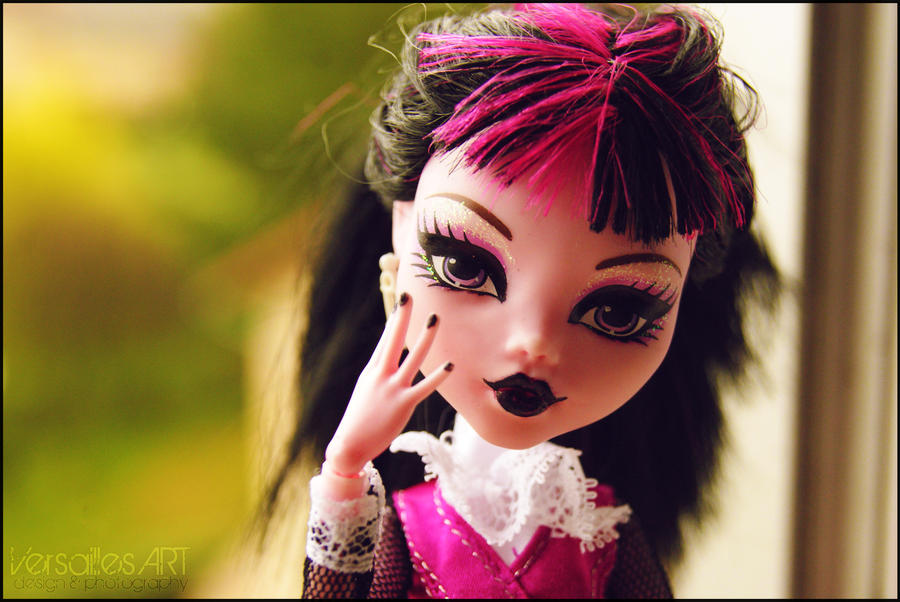 Mad Girl by VersaillesArt