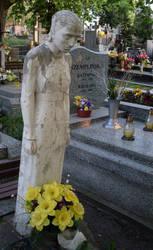 Spooky Grave Sculpture