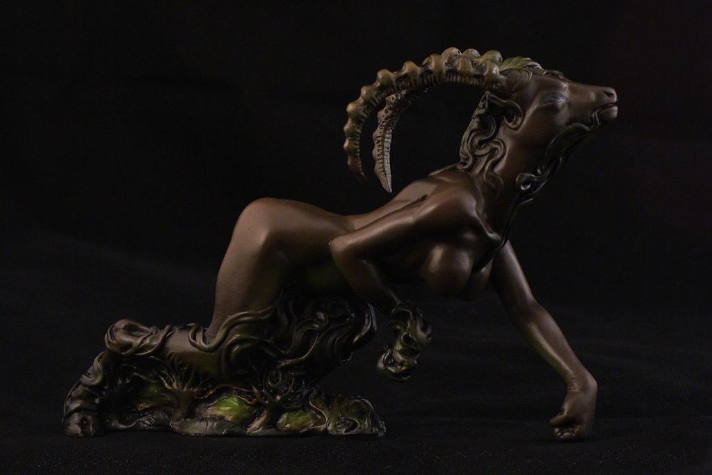 Shub-Niggurath figurine