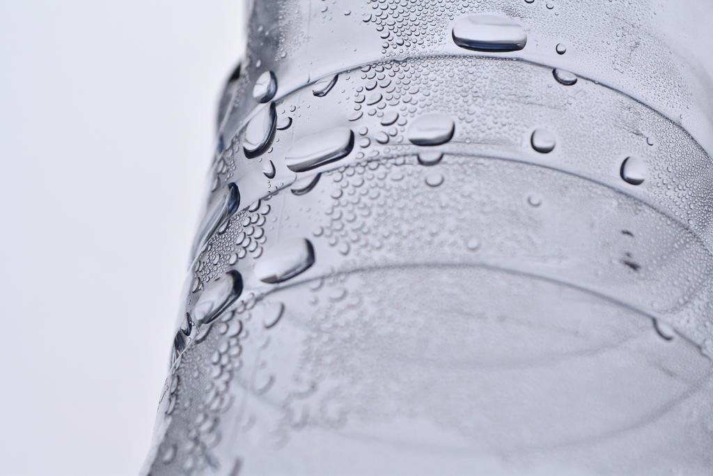 Water drops by ZuzanaKonecna