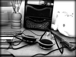 Desk Clutter by babygurl83