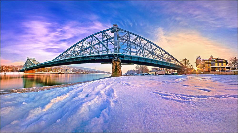 Sunset at blue wonder bridge