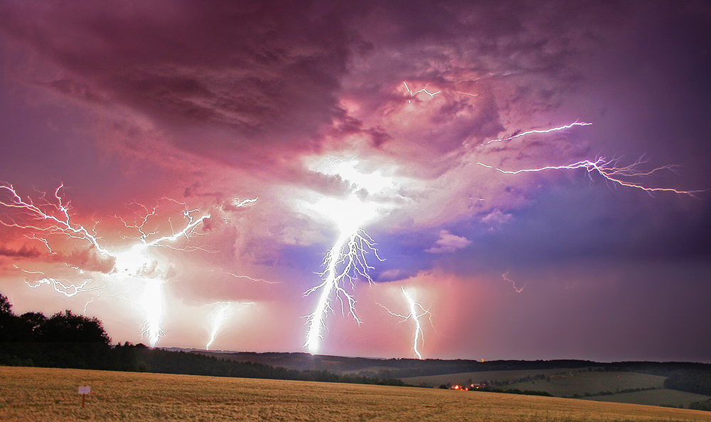 Lightning - reedit by Torsten-Hufsky