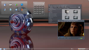 Linux Mint 13 KDE - Steel Reflexion