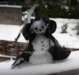 Snowman by TheyCanSeeIntheDark