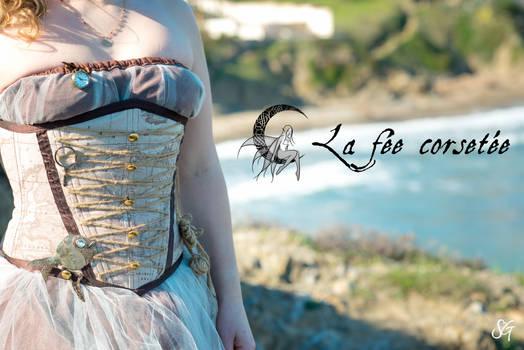Corset pirate by La Fee Corsetee, France