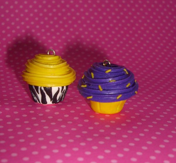 Zebra print cupcake by PORGEcreations