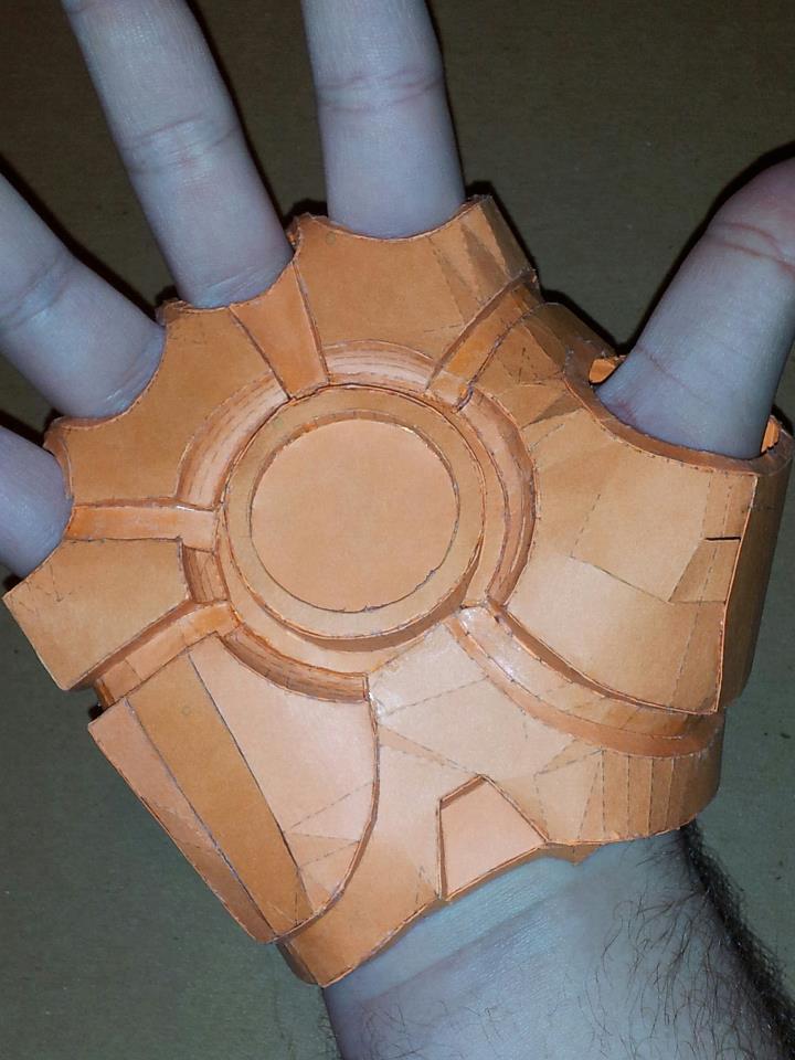 Iron Man Hand Pepakura by Tim--the-Enchanter