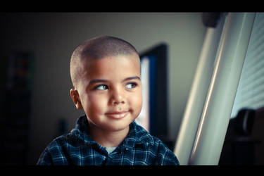 My son on my 5d by hoppopngo