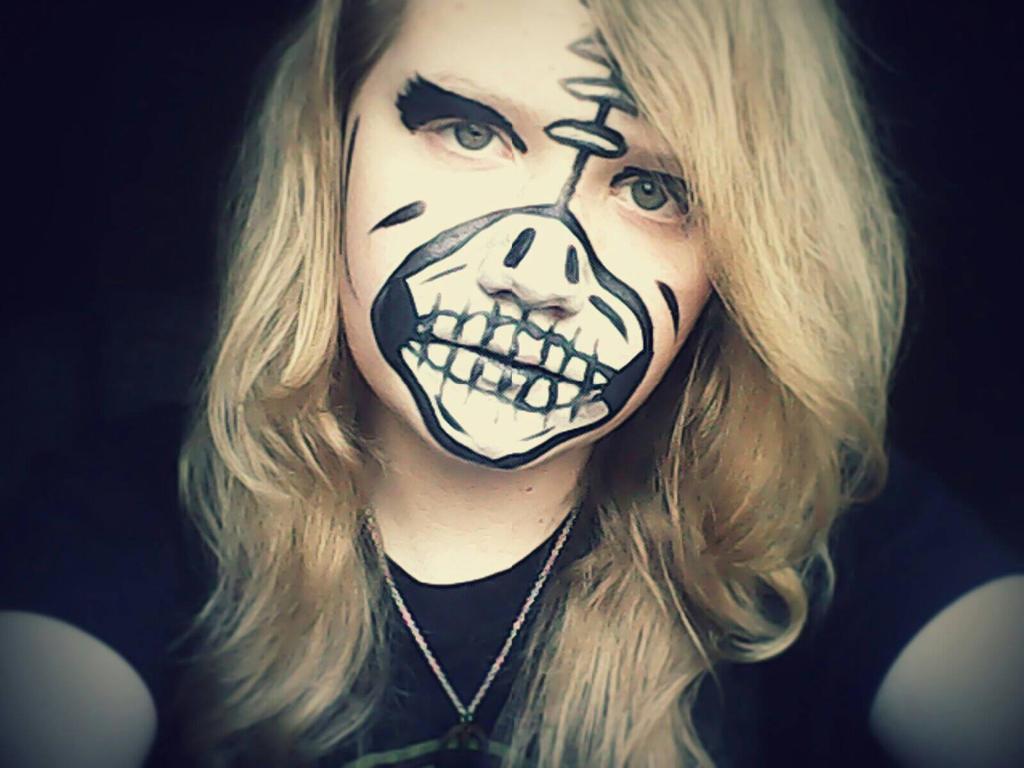 Skeleton Face paint. by CuTeCuMbErR