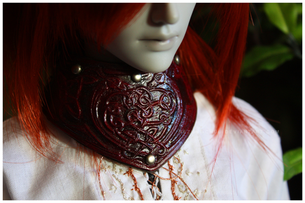 Shoppe : Tooled Leather Celtic Knotwork Gorget by Nezumi-chuu