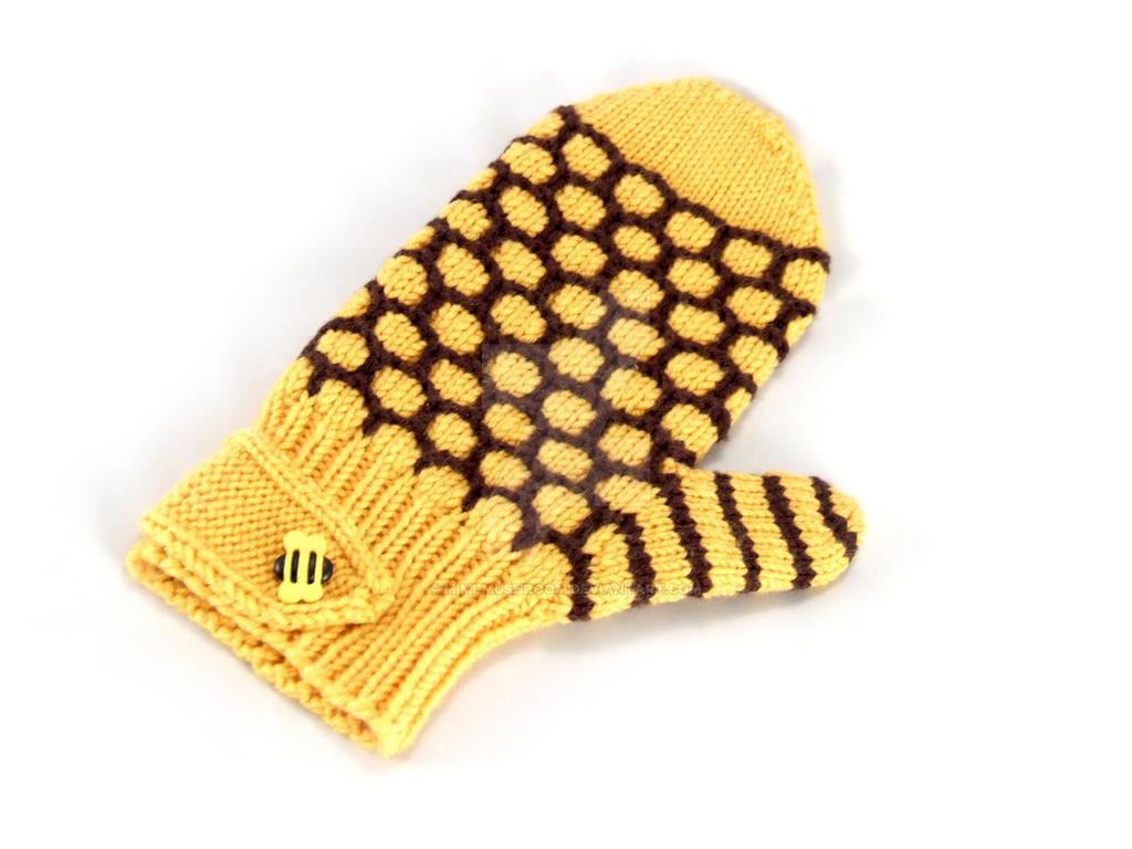 Bumblebee Mittens by Mimi-Mushroom
