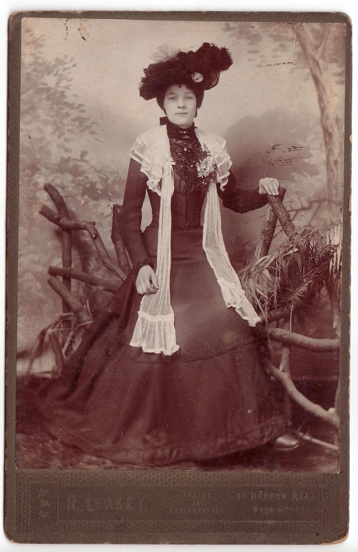 Elegant female c. 1890-1900 by Mimi-Mushroom