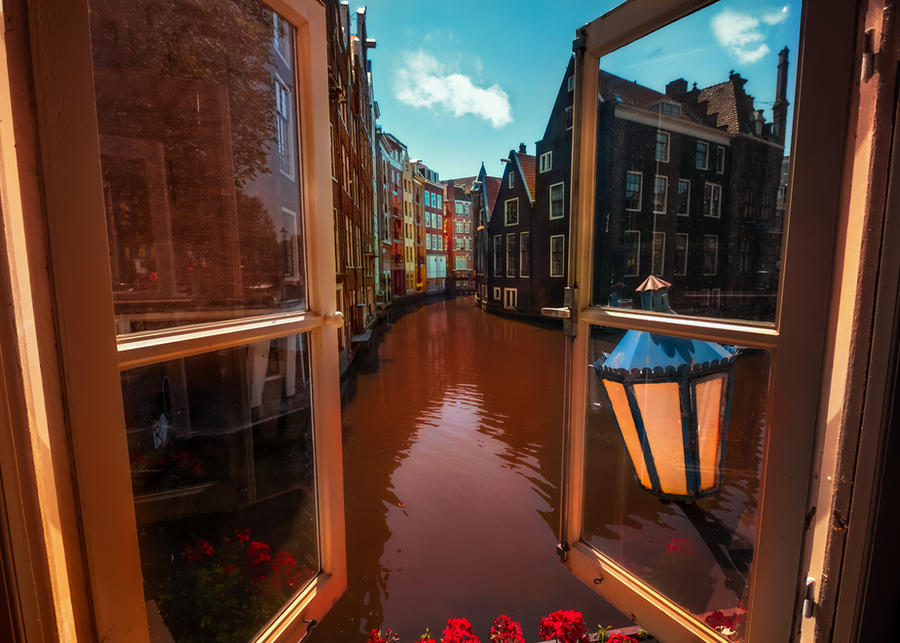 Amsterdam from my window by INVIV0