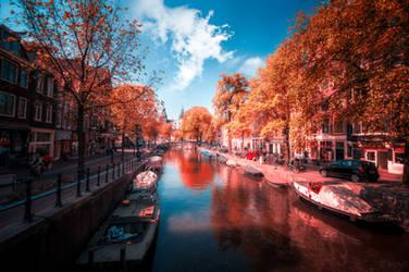 Amsterdam in Red by INVIV0
