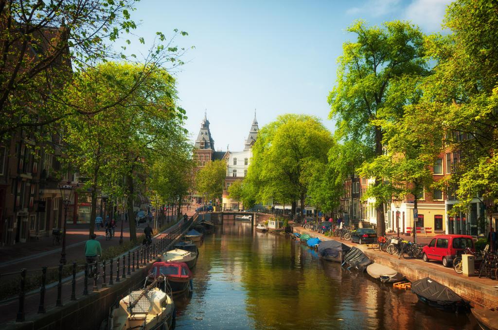 Summer in Amsterdam by INVIV0