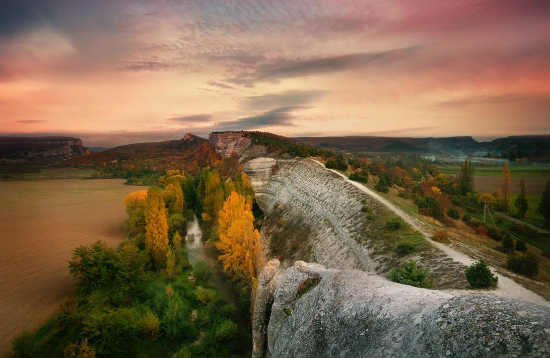 Autumn sunset by INVIV0