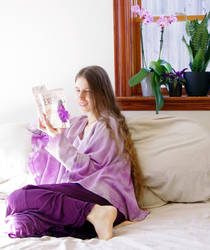 Raederle Reading a Novel