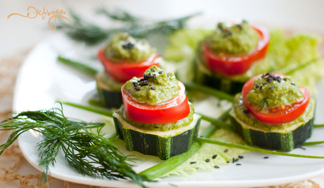 Marrow squash canape with green sauce raw vegan by julia for Canape vegan