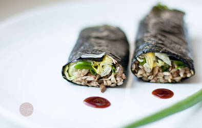 Lazy cook's rolls with grown sunflower seeds (raw)