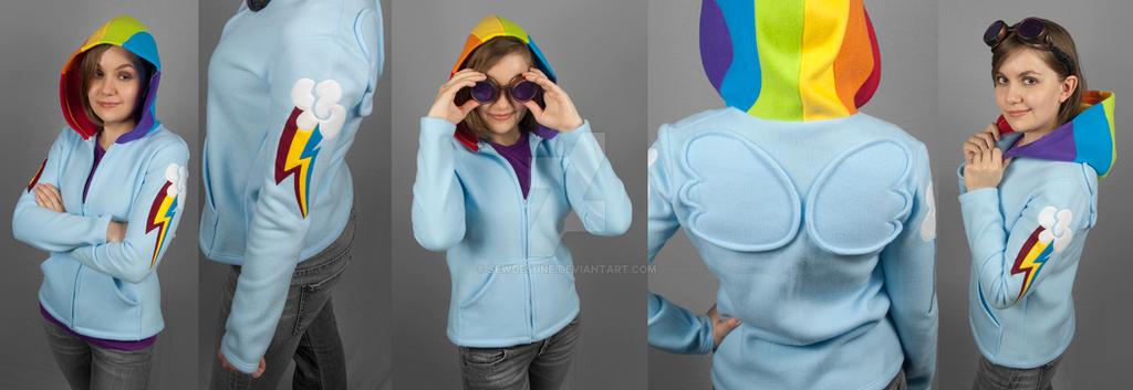 Rainbow Dash Hoodie by SewDesuNe