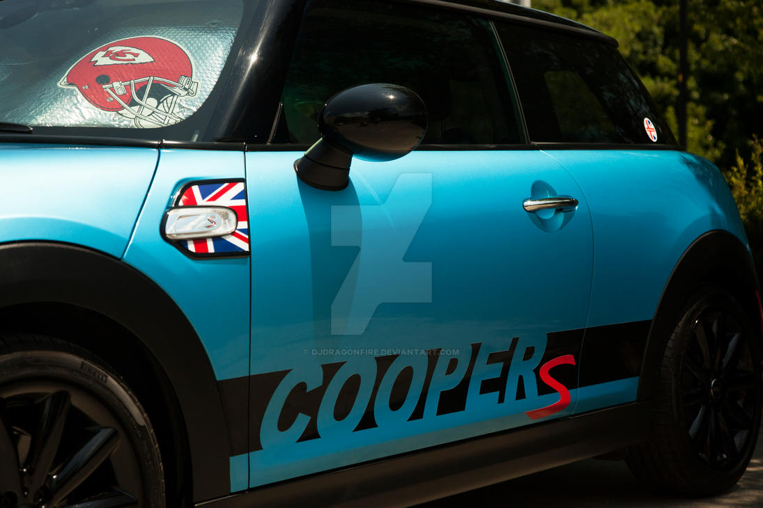 Blue Mini With Decal by djdragonfire
