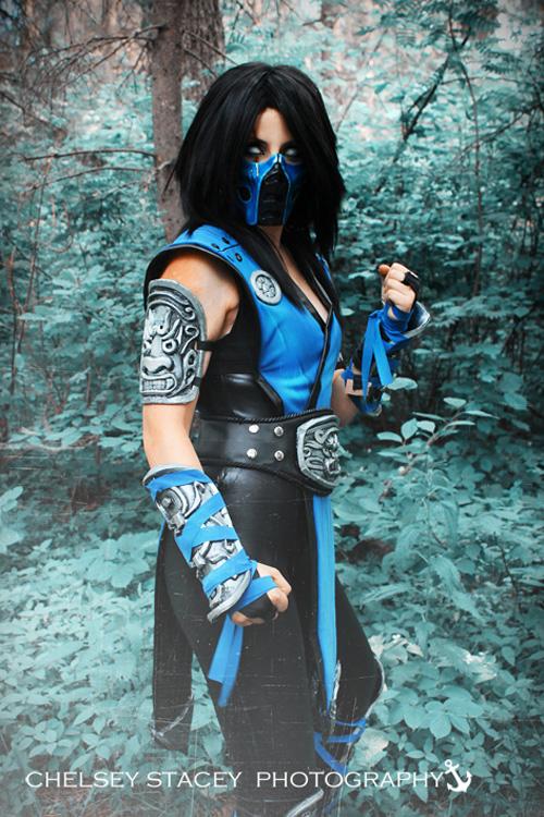 Mortal kombat female cosplay