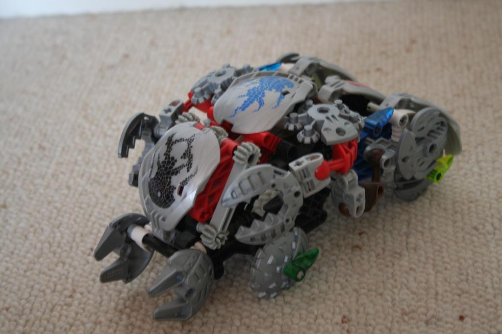 Bionicle MOC: Bohrok Tank by Rahiden on DeviantArt